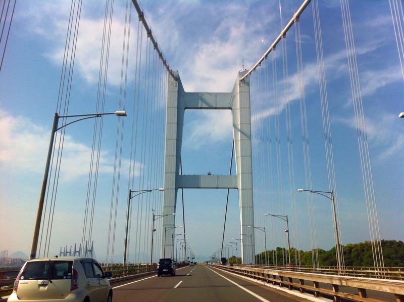 瀬戸大橋横断中